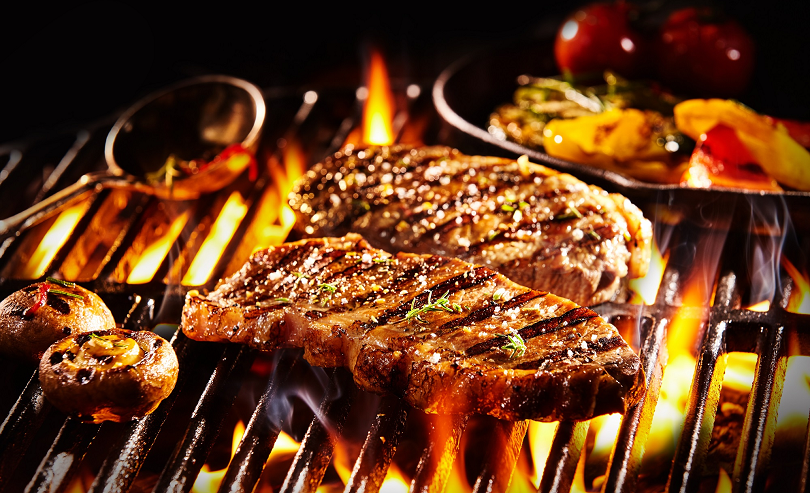 Easy Summer Menu Ideas for Your Restaurant-Grilled Steak and Veggies(1)