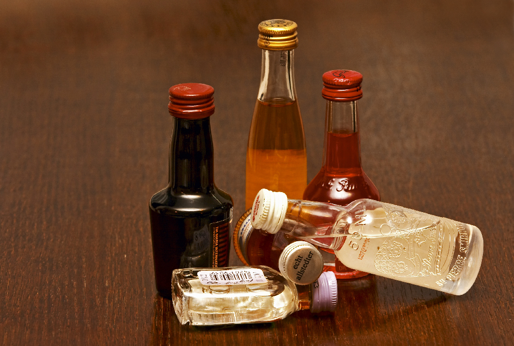 Small Liquor Bottles-To-Go Cocktail Tips and Tricks: A Quick Guide